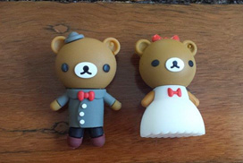 The Wedding USB The bride bear has your Hi res images & the groom has the Lo res. (Their heads pop off)
